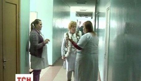 Работники государственных учреждений в Донецке жалуются, что их оставили без финансирования