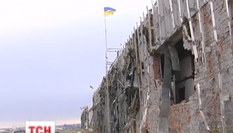Оборонці Донецького аеропорту відступили від старого терміналу