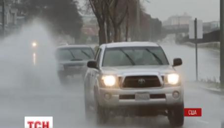 Центральна частина американського штату Каліфорнія потерпає від шторму