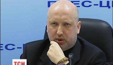 Олександр Турчинов прагне змінити воєнну доктрину України