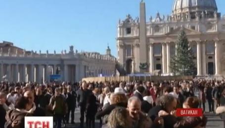 Сотни пар поздравили с Днем рождения папу Франциска его любимым танцем