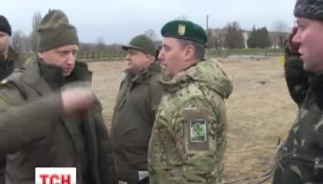 Турчинов вперше відвідав зону АТО в якості секретаря РНБО