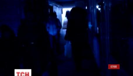 Большая часть Крыма уже вторые сутки сидит без электричества