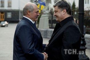 Лукашенко с Порошенко обсуждали закрытие границы с Россией