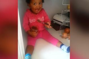 Сеть поразило видео маленькой похитительницы шоколада