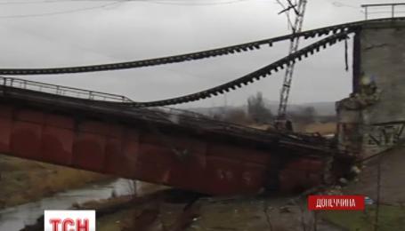 На подъезде к Мариуполю диверсанты взорвали железнодорожный мост
