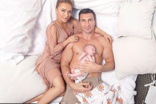 Маленьке диво: Кличко і Панеттьєрі знялися у ніжній лав-сторі із новонародженою донечкою