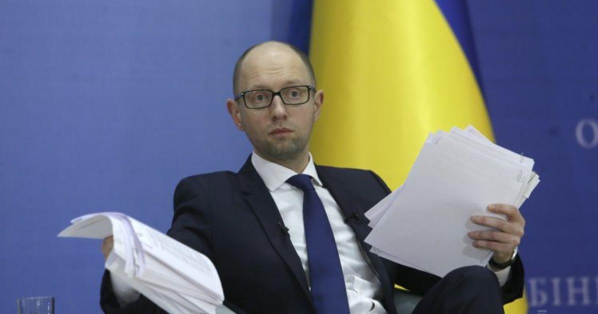 """Яценюк подсчитал потери Украины из-за строительства """"Северного потока-2"""""""