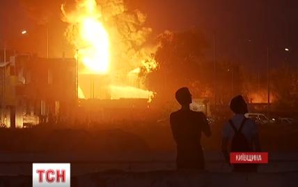 Арендатор цистерн, которые горят под Киевом, не исключает умышленный поджог