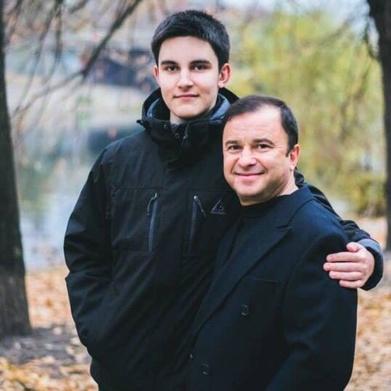 """""""Лікування не має сенсу"""": Син Віктора Павліка припиняє боротися з раком"""