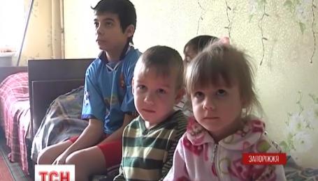 Переселенцам из Донбасса не дают заселиться в новые дома