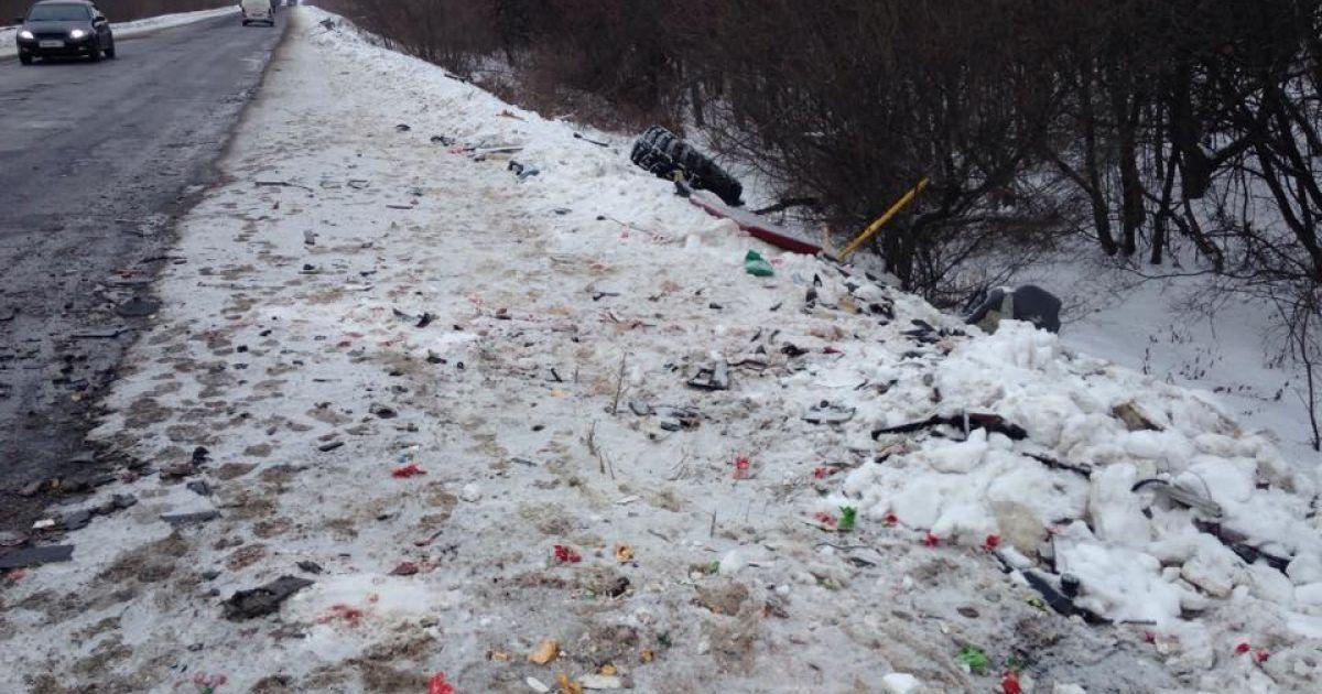 Фото с места трагической аварии / Павел Мяснов, ТСН @ euronews.com