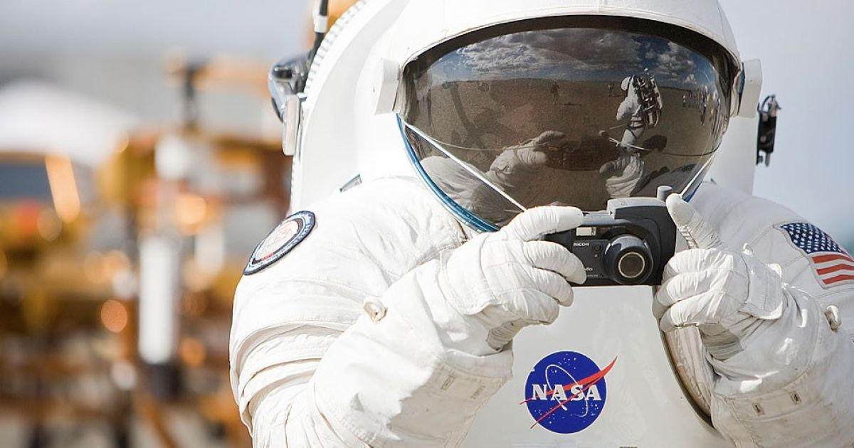 an interactive spacesuit experience nasa - 980×640
