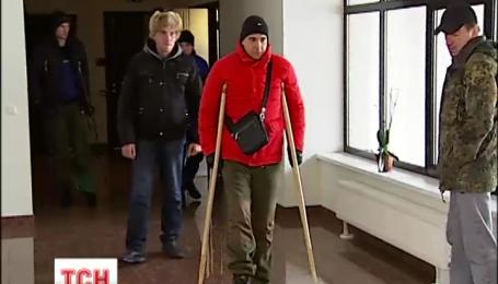 Литва приняла на лечение раненых в боях украинцев