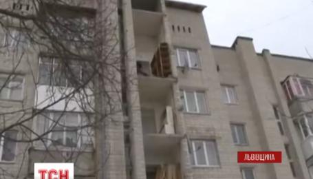 На Львівщині від п'ятиповерхівки відвалилася стіна