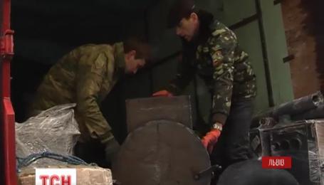 Волонтерський вертеп повіз різдвяний настрій зі Львову на Донбас