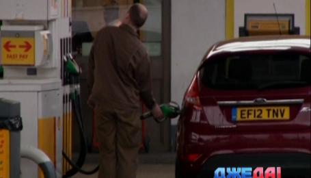 Цены на нефть упали к уровню 2009 года