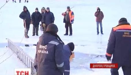 На Дніпропетровщині рятувальники врятували 28 рибалок, які перебували на кризі