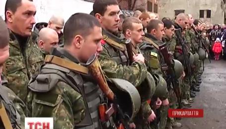 В зону АТО на Донбасс снова отправились бойцы сводного отряда милиции Прикарпатья