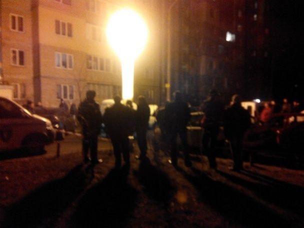 В Киеве на Троещине прогремел взрыв. Повреждено 9 машин - соцсети