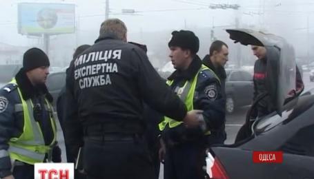 В Одессе работники ГАИ задержали похитителей иномарки