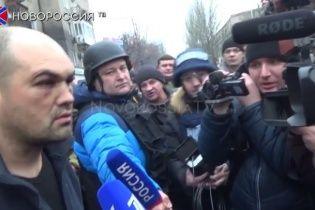 Шоу бойовиків для містян і російських ЗМІ: на місце загибелі людей у Донецьку привезли нібито кіборга