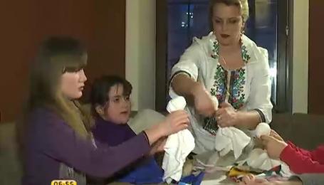 Ірма Вітовська навчила дітей-переселенців робити мотанки