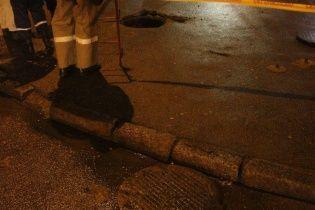 У Миколаєві через захаращення каналізації виникла ріка з нечистот