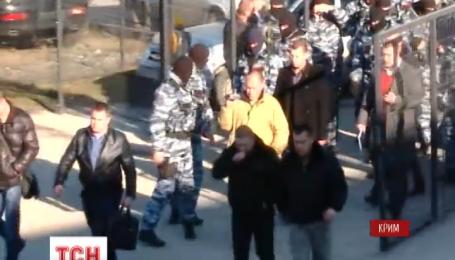 Путінська влада в Криму відімкнула кримськотатарський канал АТР і проводить там обшук без санкції