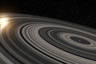 Астрономи знайшли величезного двійника Сатурна з гігантськими кільцями