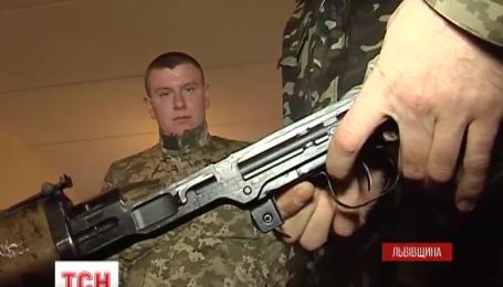 Мобилизованных новобранцев со всей Украины привезли на Яворовский полигон