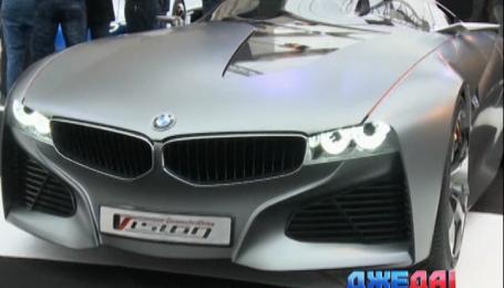 В Париже представили будущее автомобильной моды