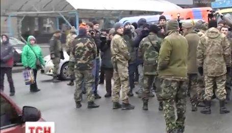 Батальон Айдар осадил Министерство обороны Украины