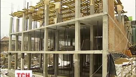 В Киеве разгорелся очередной скандал на строительстве