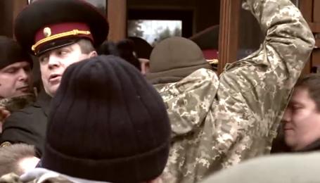 """""""Айдаровцы"""" обвинили экс-комбата в расшатывании ситуации вокруг батальона"""