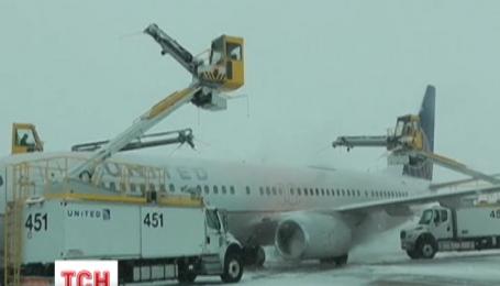 Более полутора тысяч авиарейсов пришлось отменить в США из-за снежного шторма