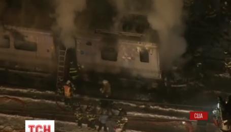 Под Нью-Йорком поезд столкнулся с легковым автомобилем