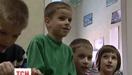 Дети, выросшие в лесу на Житомирщине, вернутся к отцу