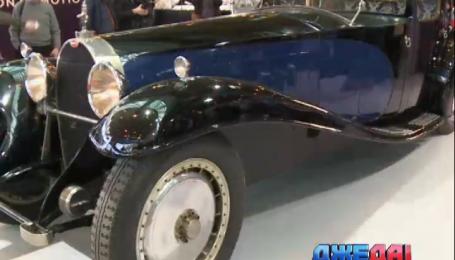 В Париже показали старинный Bugatti
