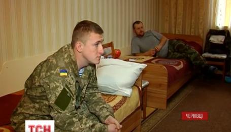 14 поранених оборонців Дебальцевого привезли у  військовий шпиталь Чернівців