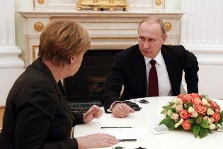 WSJ дізналася про ультиматум, який Меркель висунула Путіну