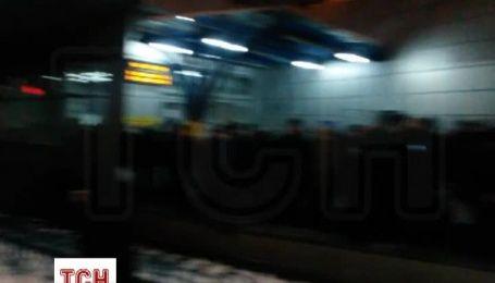 Трамвай, який зійшов з рейок, на кілька годин паралізував рух деяких маршрутів