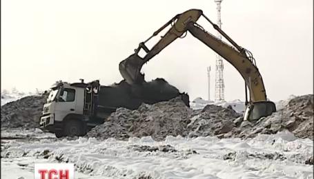 Головний смітник столиці пообіцяли нарешті укріпити