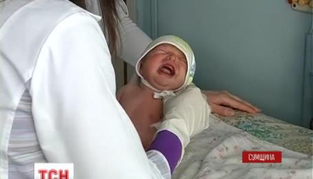 На Сумщині матір підкинули до пологового будинку новонароджену дівчинку