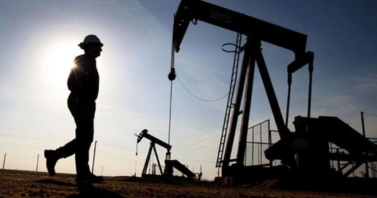 """Во время свободного падения нефть """"пробила"""" сразу три новые антирекорды"""