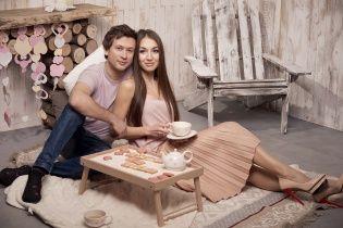 Сумская с Борисюком и Ступка с невестой научились делать печенье-валентинки