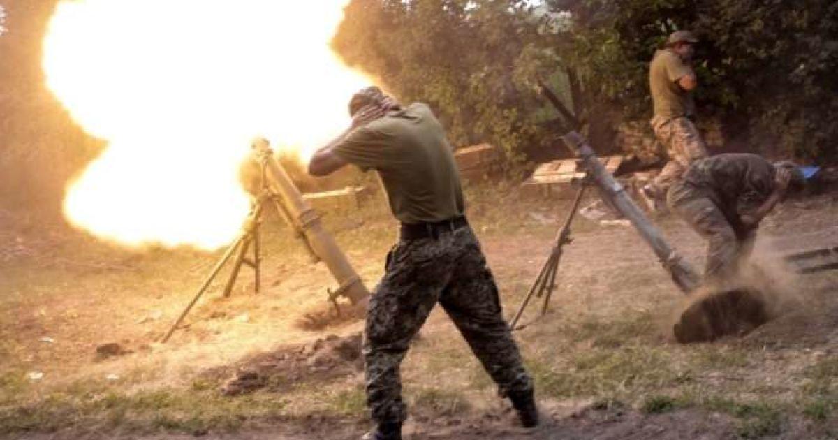 """В Минске продолжаются переговоры об отводе """"легкого"""" вооружения на Донбассе"""