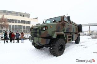 """Бойові підрозділи Нацгвардії отримали нові потужні бронеавтомобілі """"Шрек"""""""