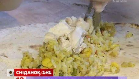 На улицах Киева кормят роллами по-мексикански