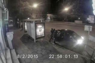 Бандиты похитили женщину и раздели её фото 480-514